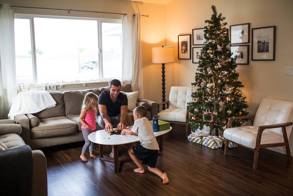holiday-family-simple-jenna-kiwi-crate