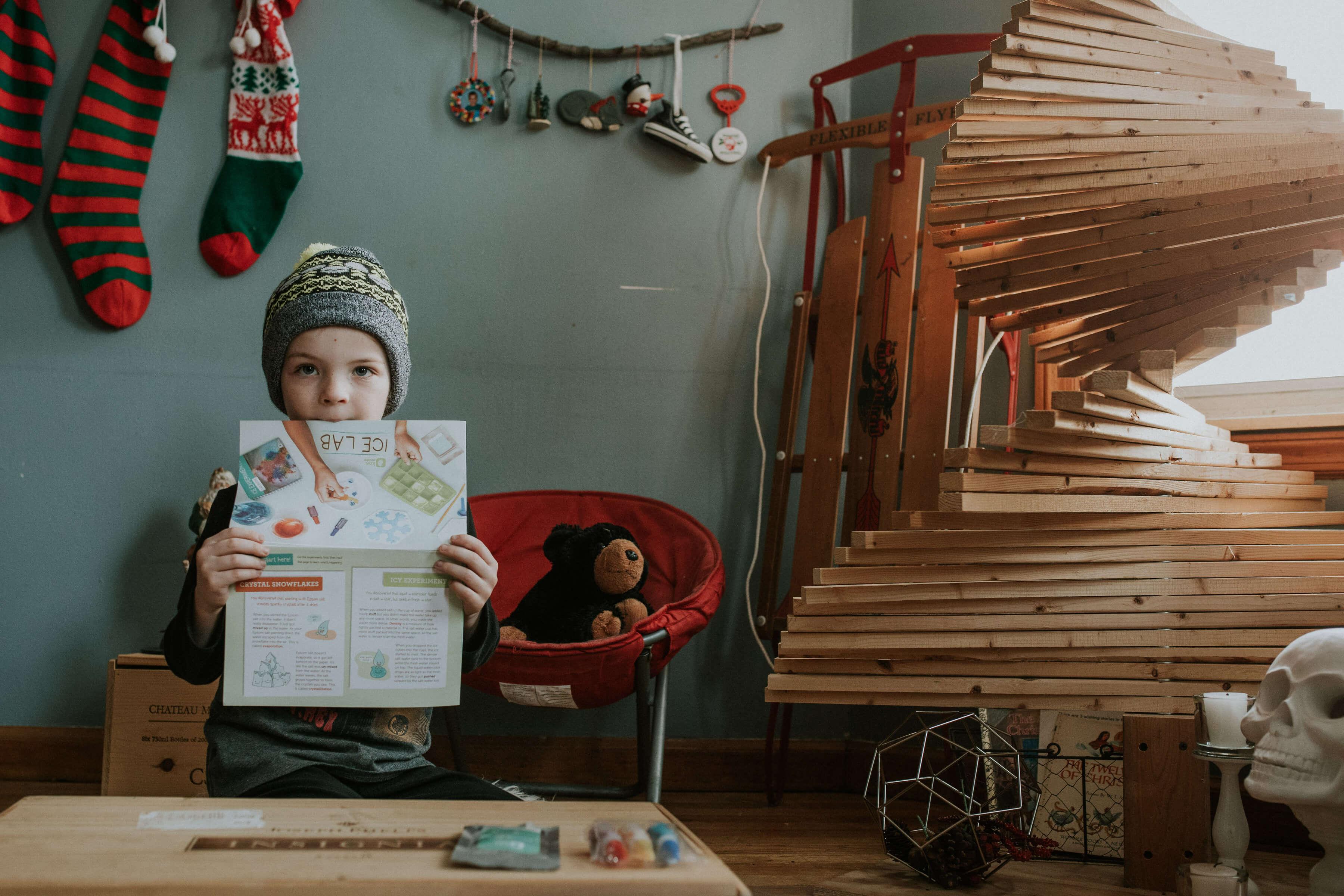 christmas-holiday-traditions-DIY-kiwi-crate