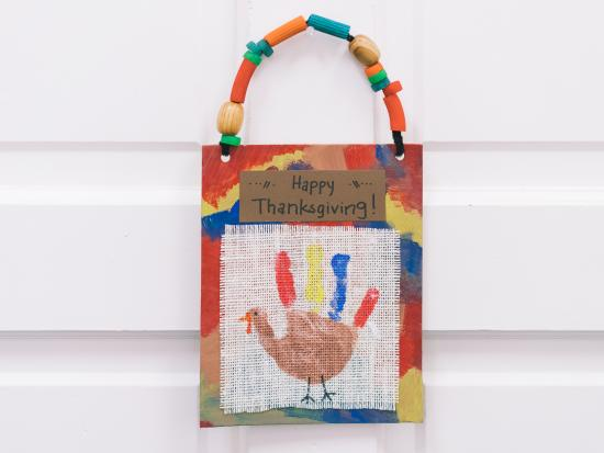 last-minute-thanksgiving-decor-kids-DIY-Kiwi-Crate-handprint