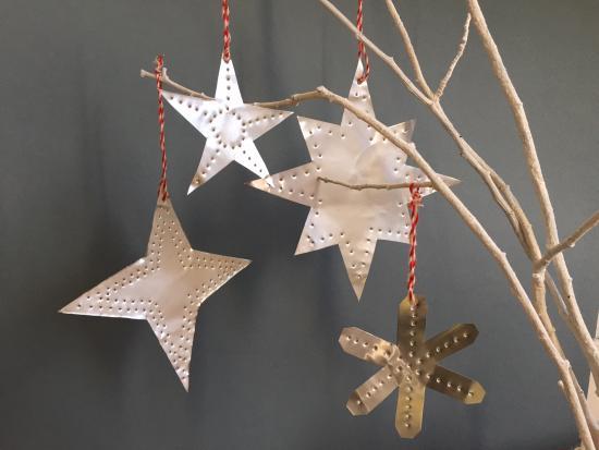 homemade christmas ornaments kids kiwi crate foil