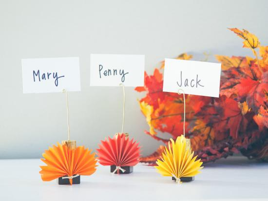 last-minute-thanksgiving-decor-kids-DIY-Kiwi-Crate-placecards