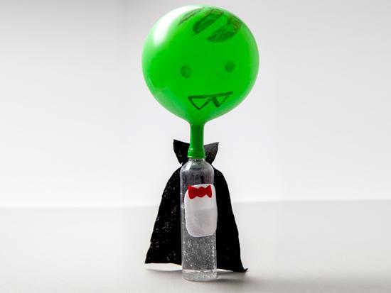 count-popula-Halloween-chemistry-expirement-kids