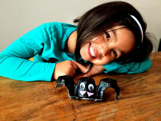 kid-Halloween-Decorations-DIY-Bat-Kiwi-Crate