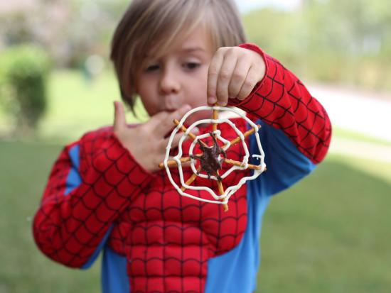 Kiwi-Crate-Halloween-Decorations-Kids-DIY