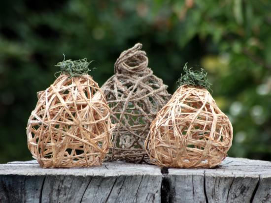 last-minute-thanksgiving-decor-kids-DIY-Kiwi-Crate-raffia