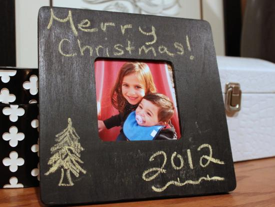 handmade-chalkboard-picture-frame-diy-kiwi-crate-gift