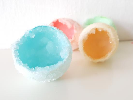 science-projects-kids-kiwi-crate-egg-geodes