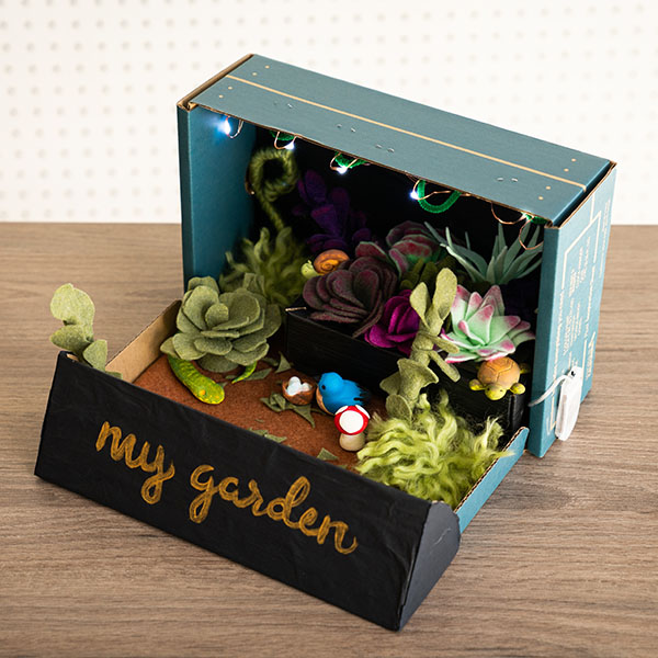 Cardboard Upcycled Project: Succulents